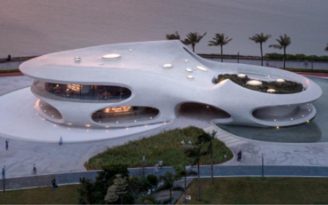 今年将建造的 16 个展馆中的第一个——海口湾展馆!