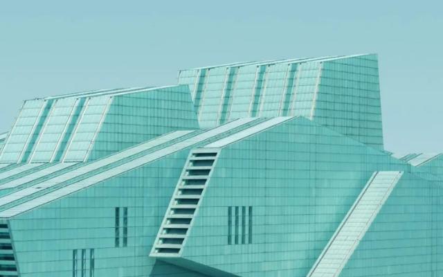 """《美化中国》一书盛赞中国的""""建筑革命"""""""