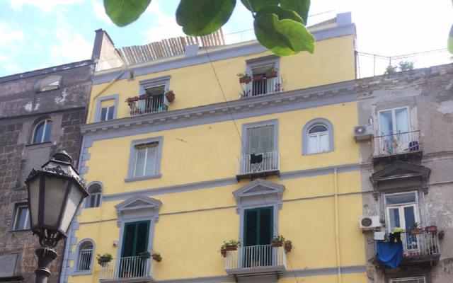 贝里尼广场的外墙改造
