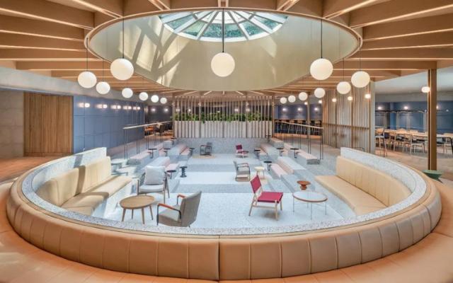 Linehouse将上海的一个泳池改造成了工作空间